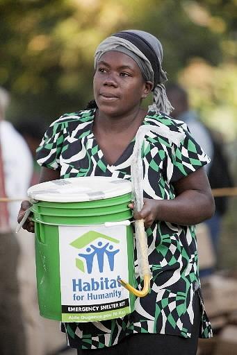haiti_emergencyshelterkits (16).jpg