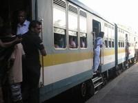 srilankatrainoccupied_20120312.jpg